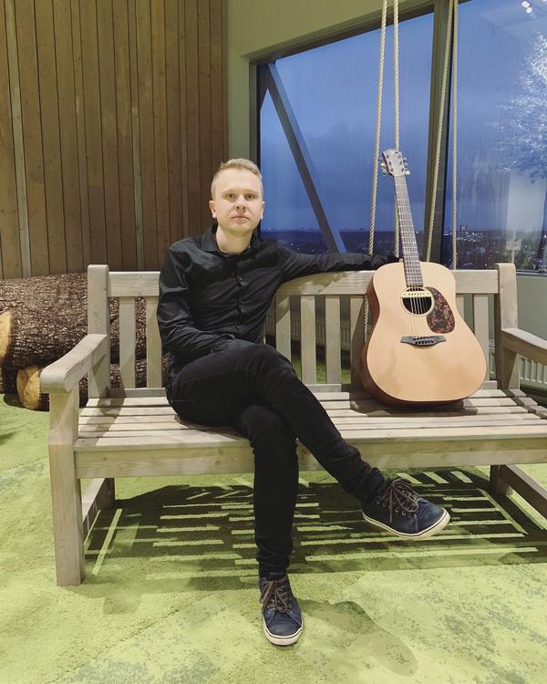 Kitarrimängija Romet Osipov