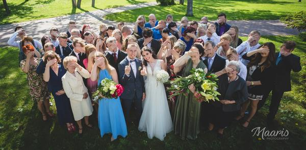 6 nõuannet grupifotodeks pulmas