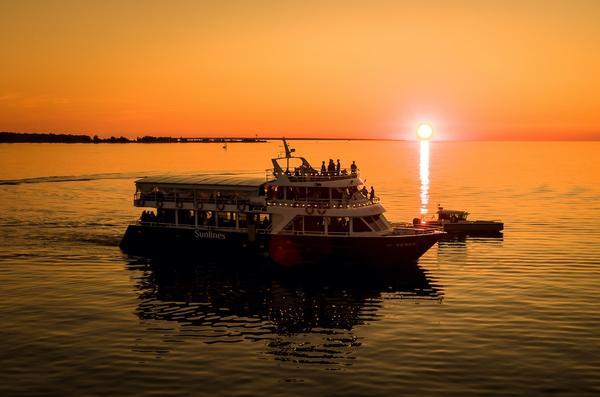 Sunlines Cruises